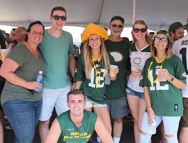 green bay tailgate party